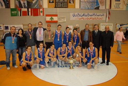 antranik-champion-team-with-medals-trophy.jpg