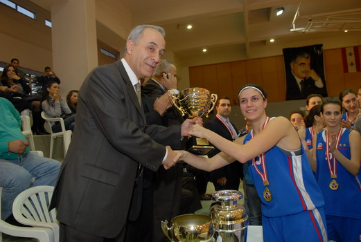captain-shada-receiving-the-trophy.jpg