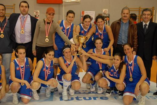housam-eldine-hariri-tournament-champions-celebrating.jpg
